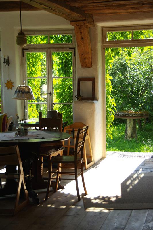 Gaststube Zugang zum Garten-Bio Bauernhof Leitenmüller