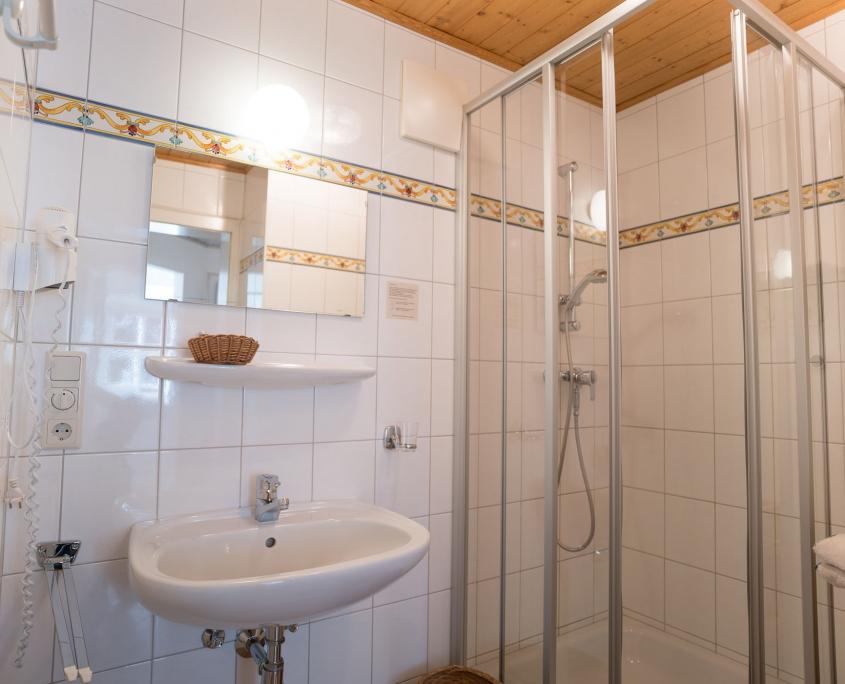 Dirndl Kammer Badezimmer-Bio Landurlaub Leitenmüller